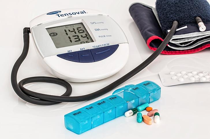 hypertenze, vysoký krevní tlak, srdce, lékařské, poškození zdraví, dlouhodobě užívané léky, lékařství