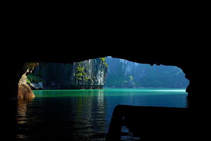 la badia de Halong vietnam, Vietnam, Mar