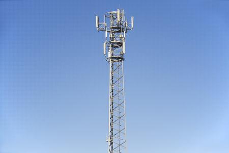 gsm 릴레이, 전신주, 높은 기술, gsm 전화 통신, 셀룰러 네트워크, 기술 및 자연, 라디오 돛대