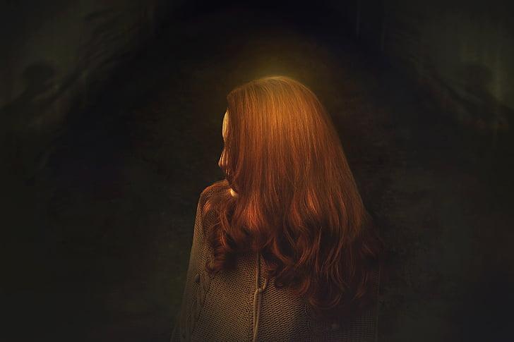 el locale, la foscor, foscor, dona, cabells de llana, locale, pensaments
