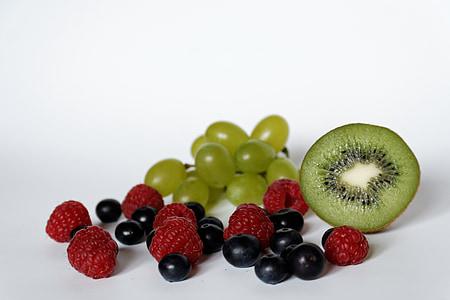 mirtilos, framboesas, uvas, quivi, frutas, saudável, vitaminas
