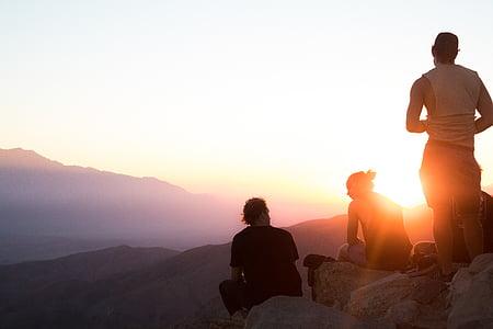 tre, personer, Rock, Mountain, soluppgång, äventyr, vänskap