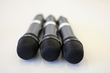 ไมโครโฟน, การเสริมแรง, แอมพลิฟายเออร์, ร้องเพลง, เสียงไมโครโฟน
