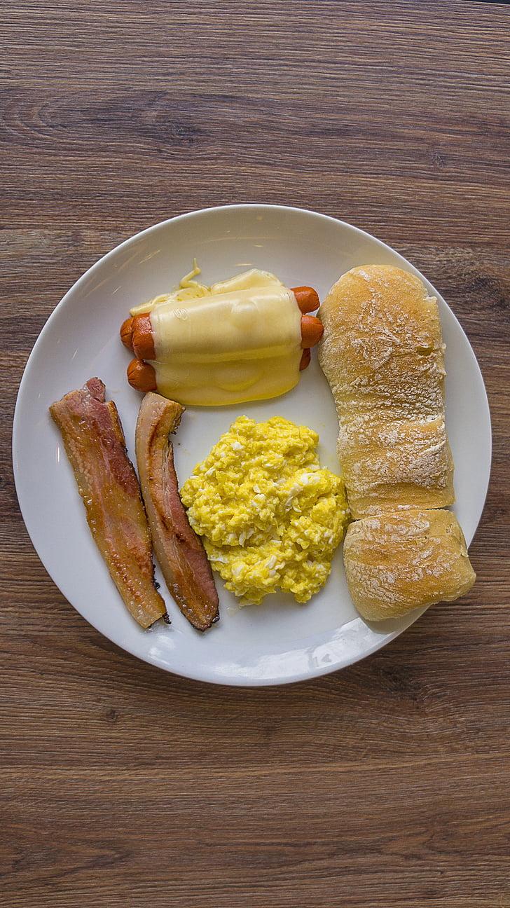 bruncha, Breakfest, pancetta affumicata, salsiccia, uovo, formaggio, mozzarella