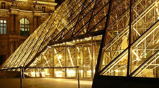 Pariis, Louvre, Prantsusmaa, muuseum, klaasist püramiid, püramiid, arhitektuur
