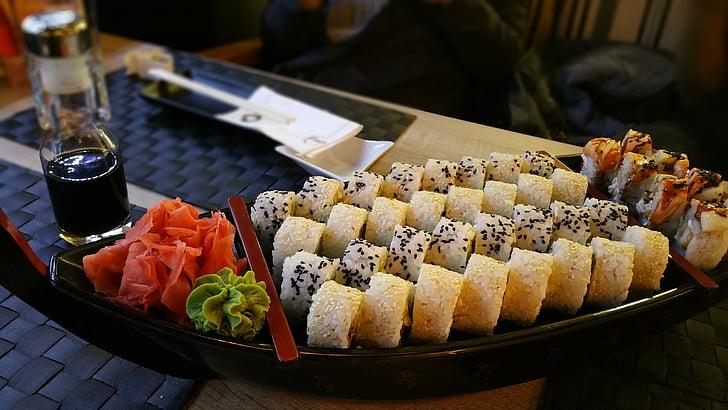 sushi, Maki, asiàtic, rotllo, assortiment, plat (maquinari), gingebre