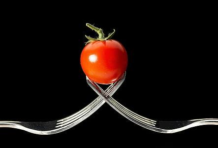 トマト, フォーク, マクロ, 赤, 野菜, 黒の背景, 食品