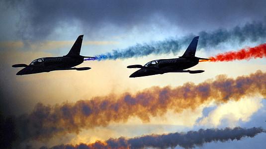 légi show, kialakulása, katonai, repülőgép, fúvókák, sík, repülőgépek