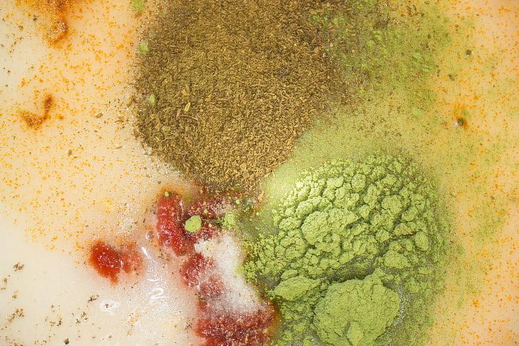 salatikaste, vürtsid, tomatipasta, Kurkum, soola, pipar, Taimepulber
