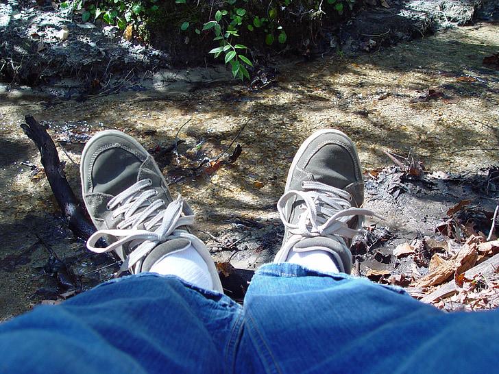 relaxar-se, peus, rierol, peu, relaxació, estil de vida, jove