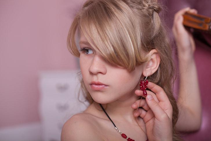 roksosh, Juvelierizstrādājumi, skaista meitene, sievietes, Kaukāza tautības, modes, blondi mati