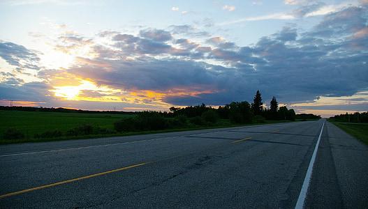 高速道路, サンセット, 雲, 空, 曇り空, 日没の高速道路