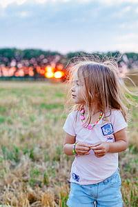 sunset, childhood, joy, good luck, baby, girl, photographing children