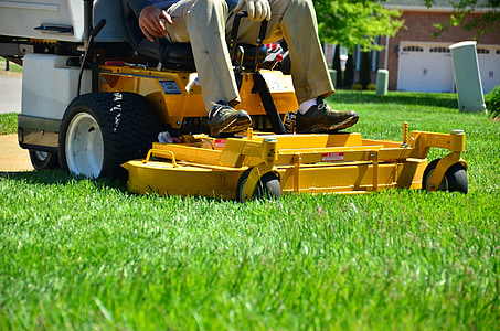 lawn care, lawn maintenance, lawn services, grass cutting, lawn mowing