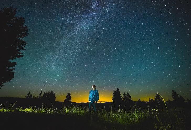 người đàn ông, mặc, màu xanh, Hôp, quần áo, nhìn chằm chằm, đêm, bầu trời