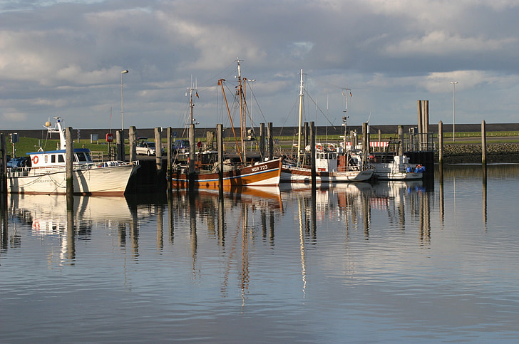 Norddeich, Βόρεια θάλασσα, Πλωτά καταλύματα, αλιευτικά σκάφη, Χειμώνας, διάθεση, abendstimmung