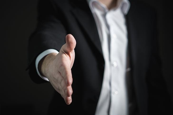 rokasspiediena, roka, dot, uzņēmējdarbības, vīrietis, dodot, piedāvājums