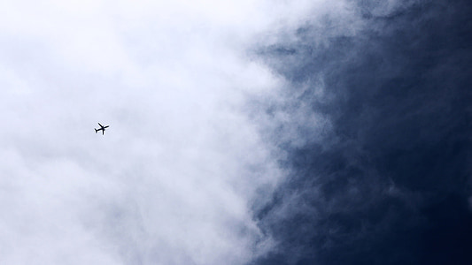 cel, Shenzhen, aeronaus, cel blau i núvols blancs