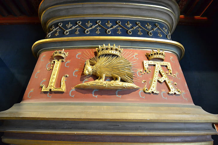 Luj xii., bodljikavo prase, kruna, monogram, kamin, monogram louis XII, Kraljevski grb