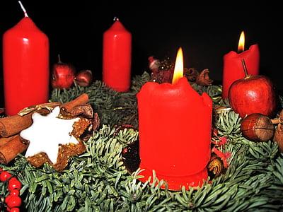 Advent pärg, teine advent, 4 punased küünlad, zimtstern, nulg, Advent, jõulud