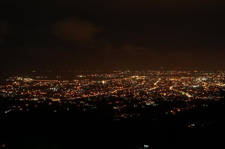 llums de la ciutat, Mostra a la part superior, escena nocturna, nit