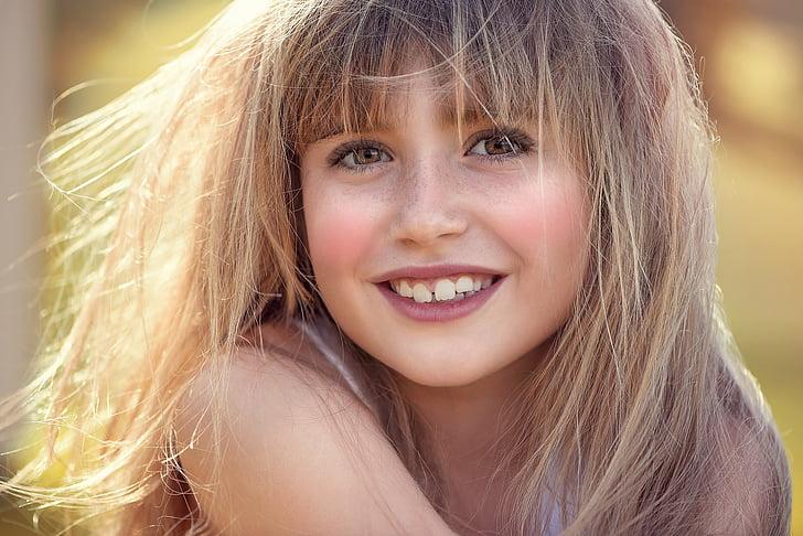 person, human, female, girl, face, pretty, smile