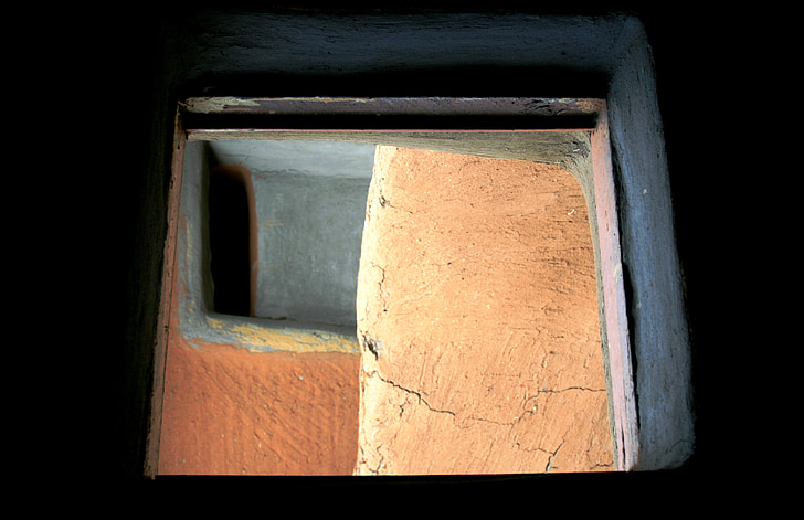 window to outside, door, next to window, to outside, terracotta, grey, angles