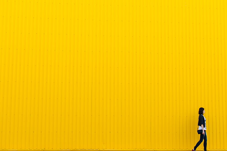 jaune, mur, bâtiment, architecture, jeune fille, femme, gens