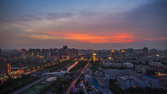 Zhengzhou, llums, posta de sol, ciutat, al capvespre, Dong feng qu