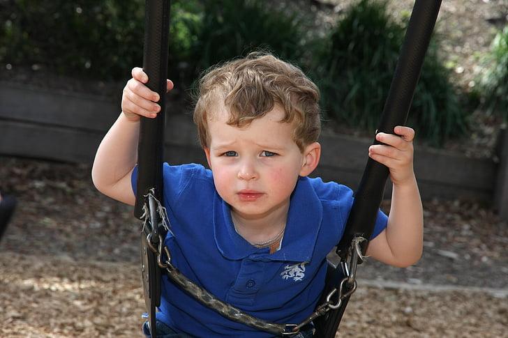 Chlapec, houpačka, hrát, promyšlené, dítě, malý chlapec