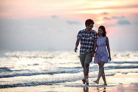 Romanç, parell, posta de sol, junts, platja, celebració, l'aire lliure