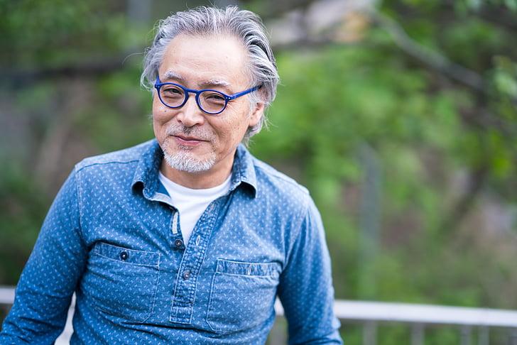 selective, focus, man, wearing, blue, framed, eyeglasses