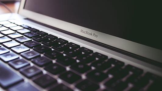 MacBook pro, prenosni računalnik, tipkovnica, računalnik, tehnologija, poslovni