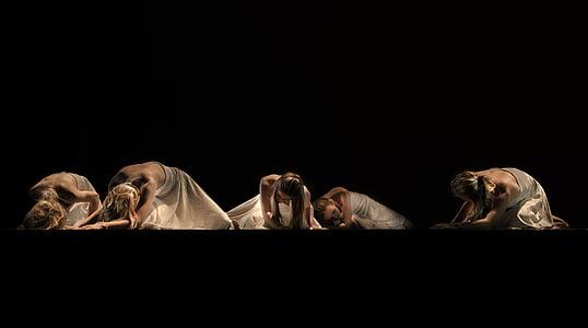deja, mūsdienu, meitenes, balta, melna, spēlēt, teātris
