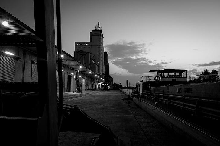 port, gloomy, crime, lonely, crime scene, leave, black and white