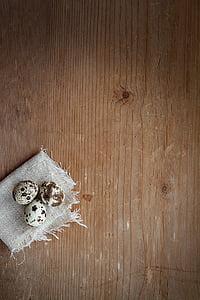 kwarteleitjes, ei, kleine eieren, natuurproduct, hout, sluiten, tekst dom