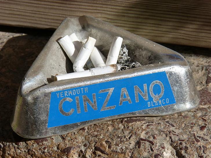 Cendrer, tabac, bóta de cigarreta, Cinzano, publicitat, cigarret