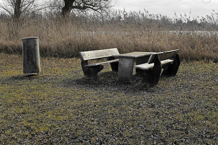 lieu de repos, disposition des sièges, humeur, congé, TRIST, sombre, perdu