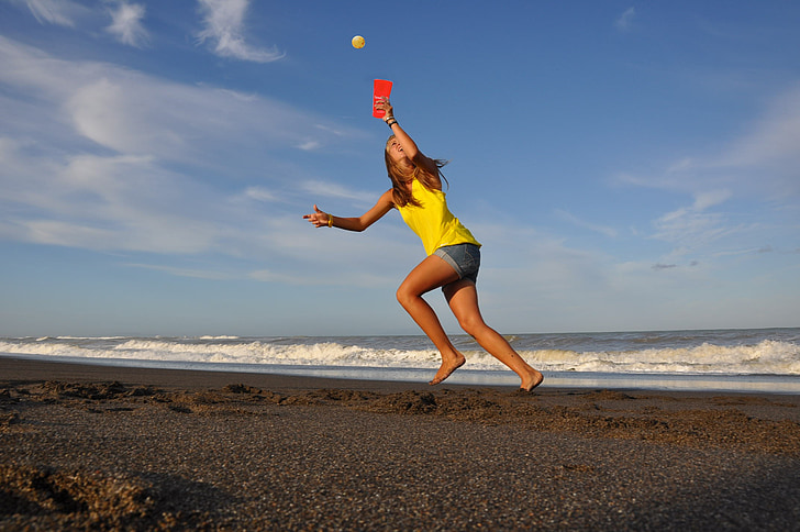 jente, sporty, aktiv, rase, fange, hoppe, ball idretter