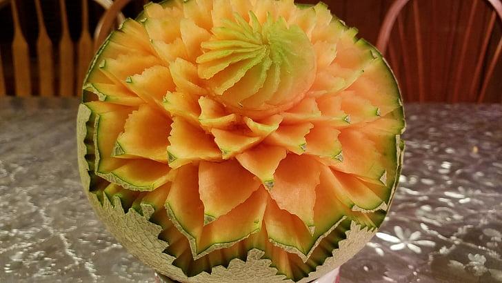 cantaloupe carving, fruit carving, decoration, creation, skill, creativity, culinary