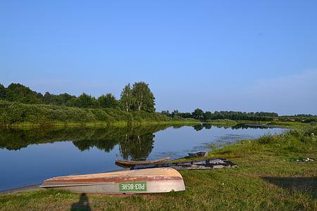 невеликої річки, літо, відображення у воді, спокійній річці, Природа, Риболовля, човен