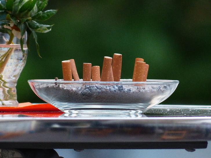 burilles de cigarretes, inclinació, fumar, Cendrer, taula, desagradable, burilla de cigarret