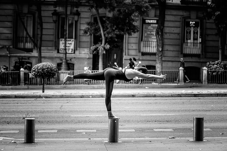 yoga, madrid, amiyogui, real people, building exterior, street, architecture