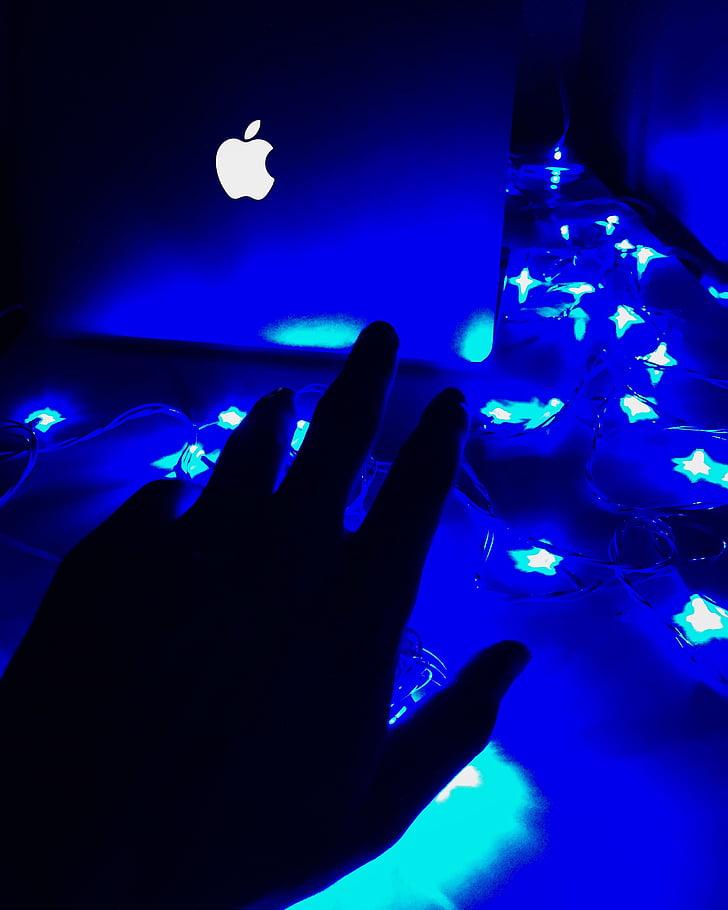 osoba, s, Ručné, dosiahnutie, MacBook, Palm, laptop