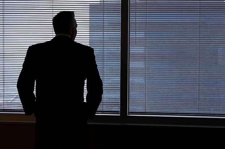 entreprise, homme, homme d'affaires, homme d'affaires, fenêtre de, regardant dehors la fenêtre, Corporate
